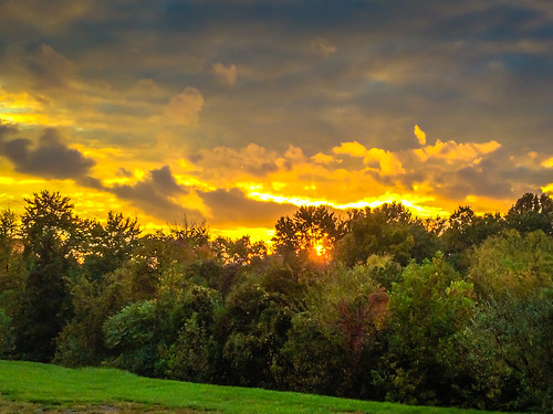 sunset orange sun green clouds evening virginia unitedstates cloudy neighborhood va centreville