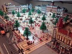 Lego Modular City Square 2016