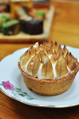 passionfruit meringue