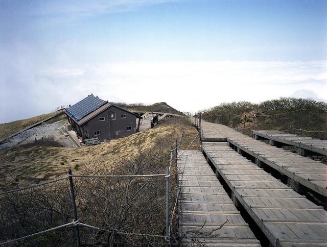山頂避難山屋