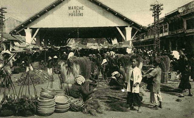 CHOLON - Les abords du Marché aux poissons - Chợ Cá