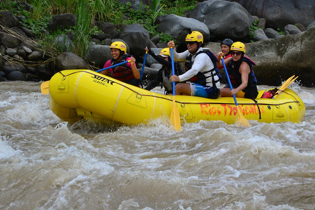 whitewater rafting in costa rica on the rio pacuare