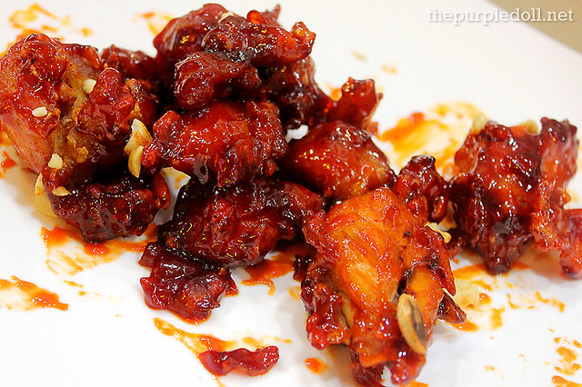 Dak Kang Jung (Sweet and Spicy Chicken)
