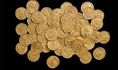 Gold Roman coin find