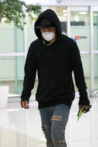 Big Bang - Gimpo Airport - 07jun2015 - Tae Yang - YB 518% - 08