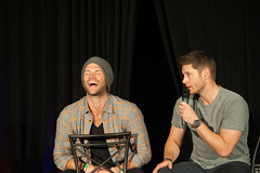 SPN_Dallas_2016_Jared_and_Jensen_main_panel_237