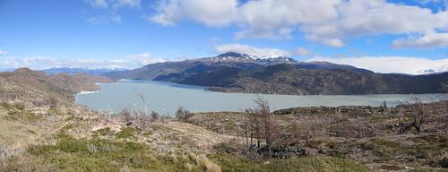 Torres del Paine: trek du W. Jour 5: retour à Paine Grande. Le Lago Grey.