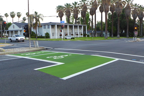 Redlands Bike Box on Brookside Ave by cyclotourist