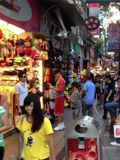 October 12, 2013 - Jeremy Lin in disguise in the streets of Taipei