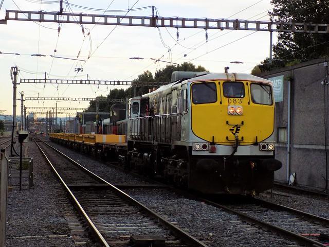 IE 083 with Spoil train @ Clontarf Road, Dublin