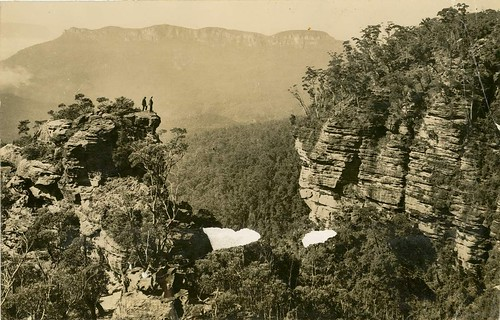 Copelands Lookout and Mount Solitary, Jamieson Valley (NSW)