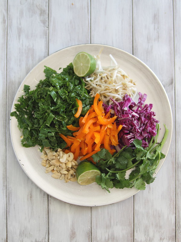 Pad thai vegetable salad