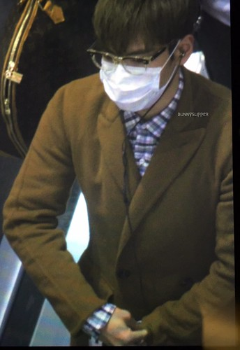 TOP - Incheon Airport - 05nov2015 - bunnyslipper - 04