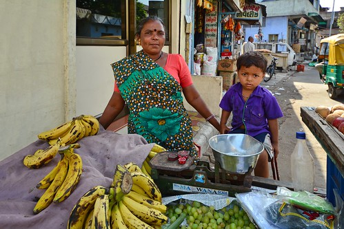 India - Gujarat - Ahmedabad - Streetlife - Woman Selling Fruits