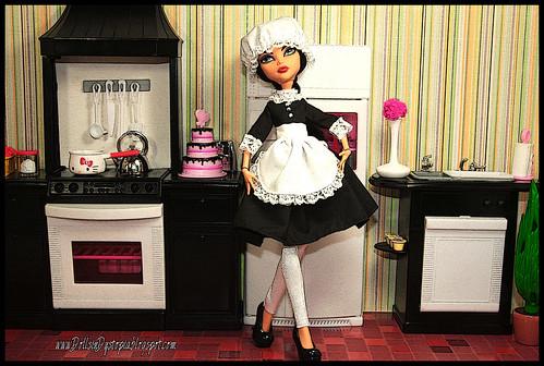 Let Them Eat Cake.  Sweet, Sweet Poisonous Cake. by DollsinDystopia