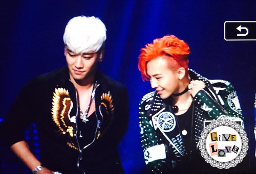 BIGBANG KBS Sketchbook main performance 063
