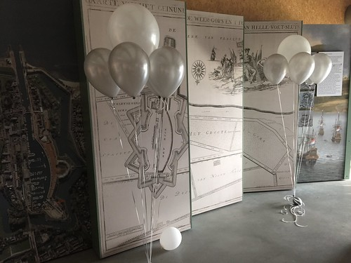 Tafeldecoratie 5ballonnen Gronddecoratie Droogdok Hellevoetsluis