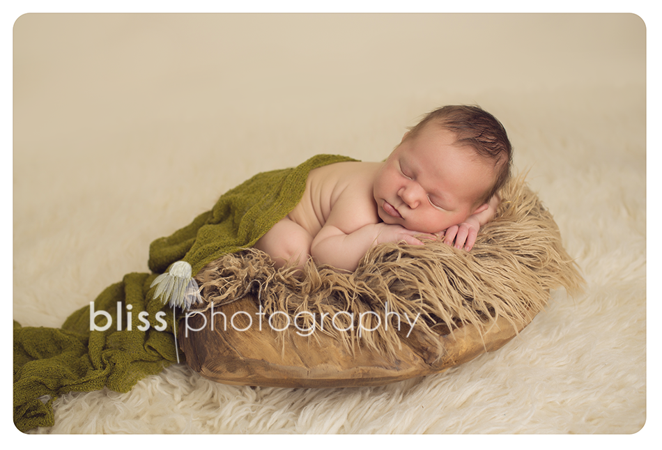 newborn wood bowl bliss photography-9101