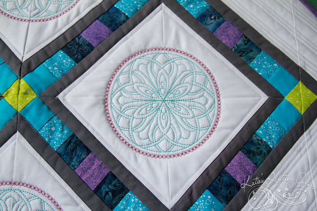 Pixel Lattice Quilt Finish