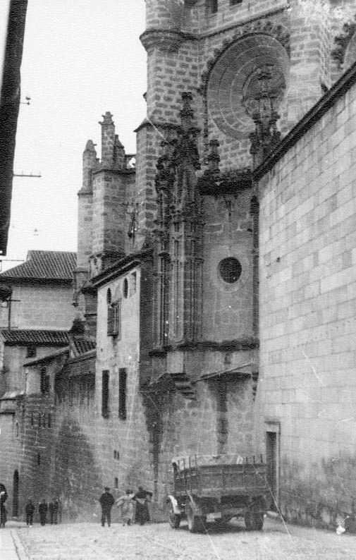 Calle Sixto Ramón Parro en 1935. Fotografía Josep Gaspar i Serra © Arxiu Nacional de Catalunya. Signatura ANC1-23-N-1573