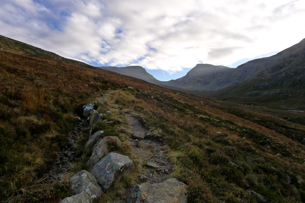 Path through Gleann na Sguaib