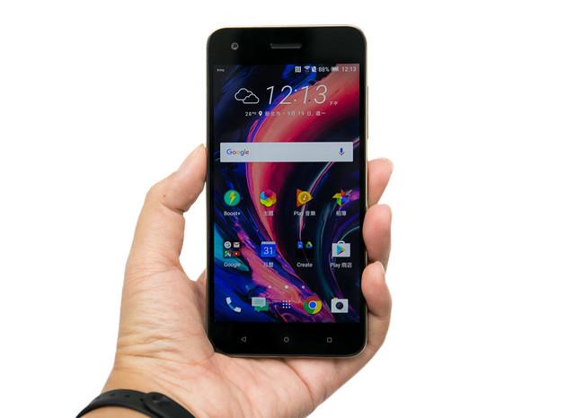 [動手玩] HTC 發表新世代中階機型 Desire 10 Pro / Desire 10 LifeStyle @3C 達人廖阿輝