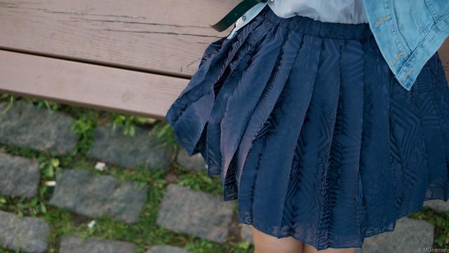 pleated skirt closeup