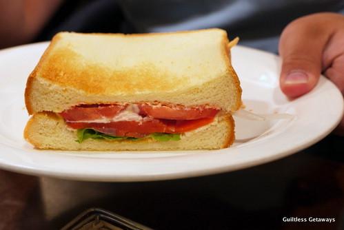 saera-restaurant-sapporo-fruit-sandwich.jpg
