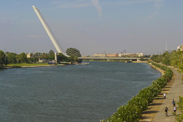 Rio Guadalquivir y puente del Alamillo - Sevilla