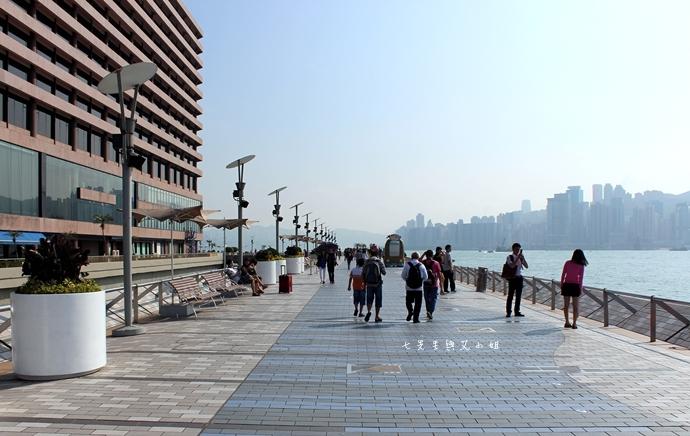 27 洲際酒店 InterContinental 閃躍維港 3D光雕匯演