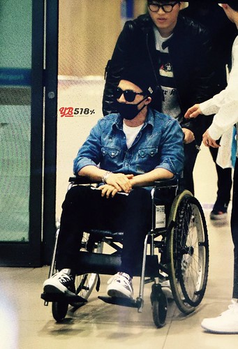 Big Bang - Incheon Airport - 10apr2015 - Tae Yang - YB 518 - 01