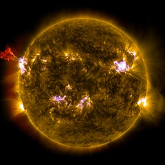 Sun Emits a Mid-Level Flare