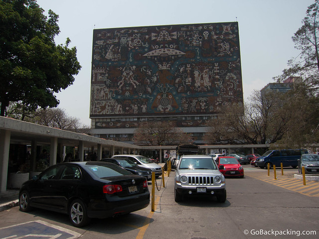 The facades of Biblioteca Central (Central Library) are mosacis of thousands of colored tiles.