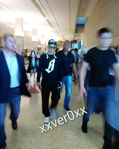 Big Bang - Las Vegas Airport - 30sep2015 - xxver0xx - 01