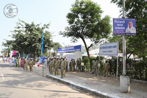 Arrival of Devotees in Satsang Venue