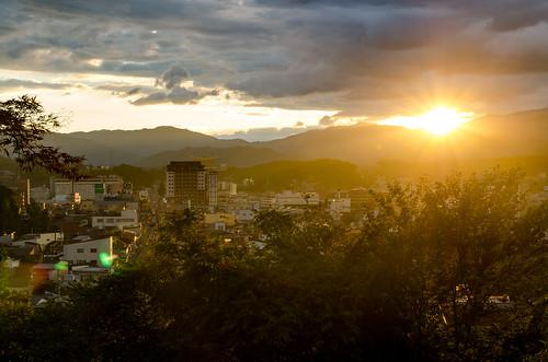 takayamashi gifuken japan jp takayama 高山 sunset sun yellow city trees sky landscape mountains nikon d7000 sigma 1750mm f28g 日本