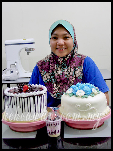 BAKE & DECO CLASS: Personal class ~ Steam buttercream cake & Ice Cream Cake ~ 29 March 2013