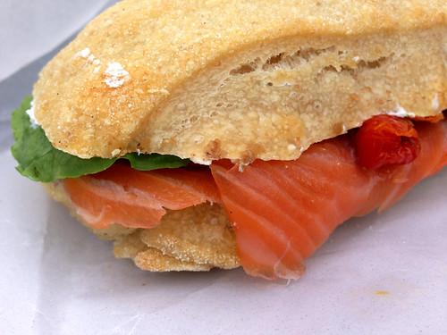 Sandwich med røget laks