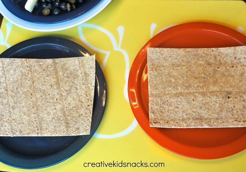 Edible Craft: Make your own flag!  CreativeKidSnacks.com