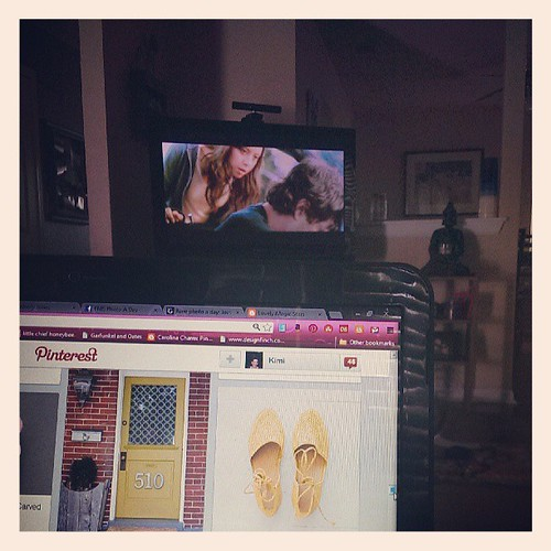 day 26: Favorite thing to do on Sundays: watch movies and add to my endless pinterest. #fmsphotoaday #kimistarr-pinterest by hellokatjones