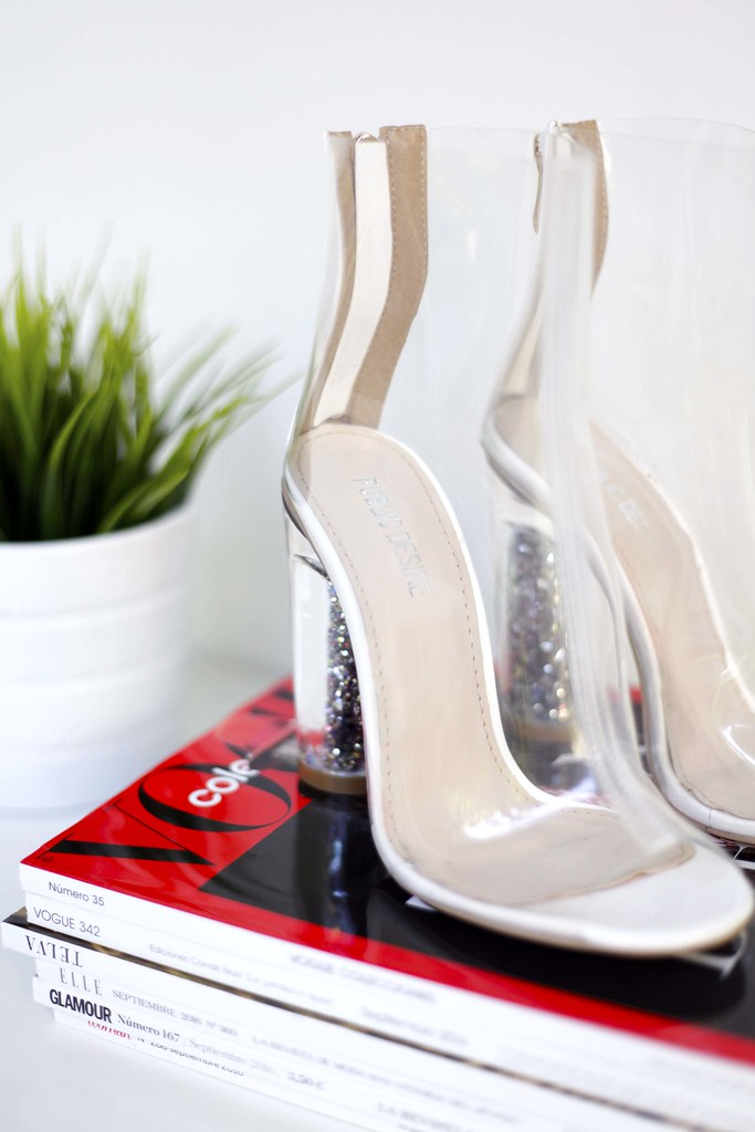 04_Perspex_heels_boots_Glitter_shoes_Public_Desire_outfit_looks_heels_transparents_theguestgirl