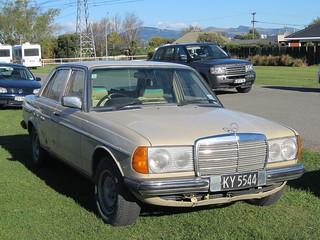 1982 Mercedes-Benz 200D (W123)