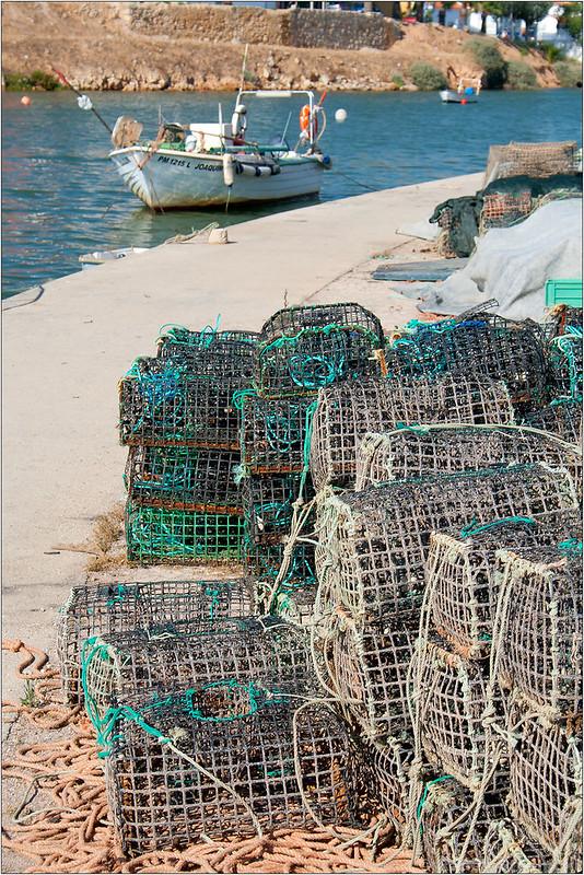 Sieci rybackie w Ferragudo w Algarve
