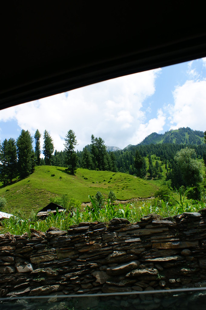 """MJC Summer 2012 Excursion to Neelum Valley with the great """"LIBRA"""" and Co - 7608691288 12f9354411 b"""