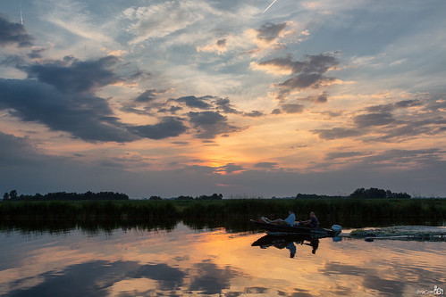 trees sunset holland reflection clouds boot boat zonsondergang bomen sailing nederland thenetherlands wolken kanaal channel noordholland jisp spiegeling varen wormerland bracom