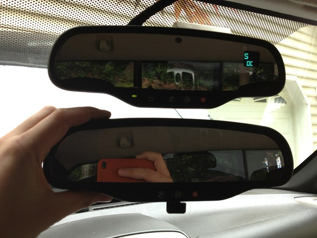 Gentex 511 Auto Dimming Mirror(top) Original manual Mirror (bottom): & How to: Rearview Mirror Upgrade - Chevrolet Colorado \u0026 GMC Canyon Forum