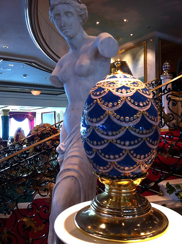 Norwegian Pearl - Summer Palace Statue and Egg