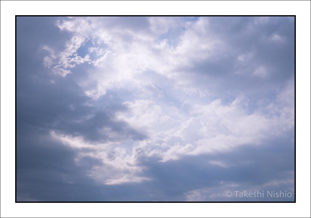 雲間からの光 / Leaking sunlight from clouds