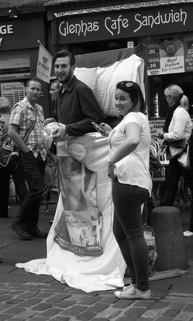 Edinburgh Fringe on the Mile 2012 033