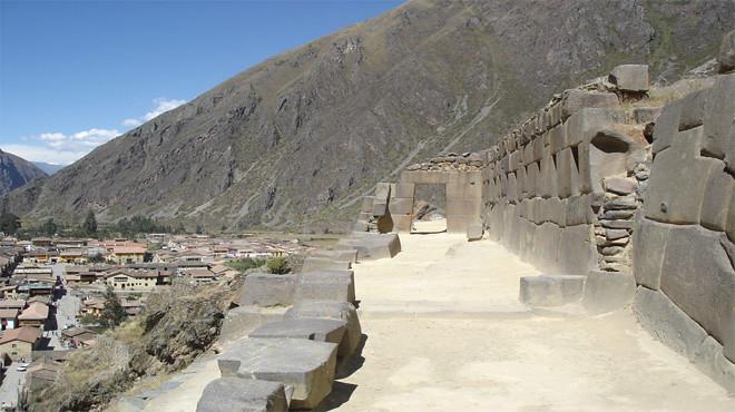 cusquenos-visitan-zonas-arqueologicas